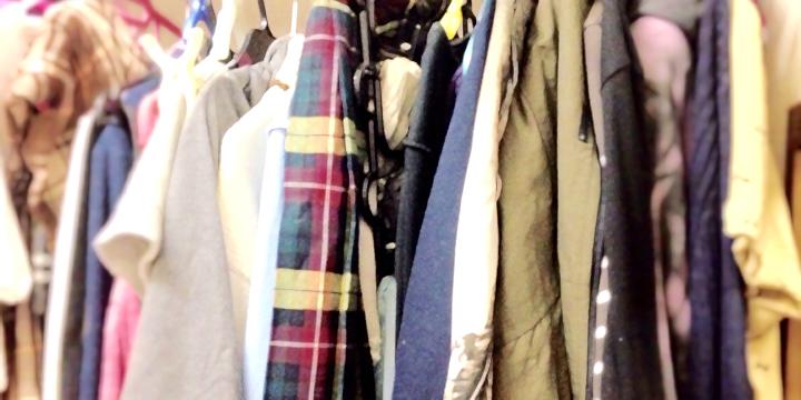 クローゼットで眠る大量の衣料
